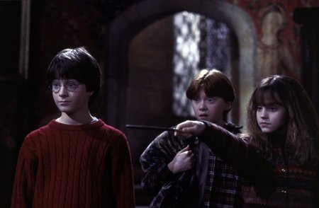 http://www.the-reel-mccoy.com/movies/2001/images/HarryPotter3.jpg
